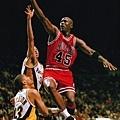28.1995--喬神重回NBA