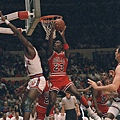 31.1987-88--帶走得分王與最佳防守球員