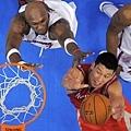 林書豪爭搶籃板
