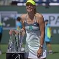 Maria Sharapova 輕取 Caroline Wozniacki  摘下本季首冠