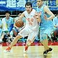 G5 璞園蔡文誠的半場發動攻勢、策應,是球隊贏球關鍵,他送出17分11籃板