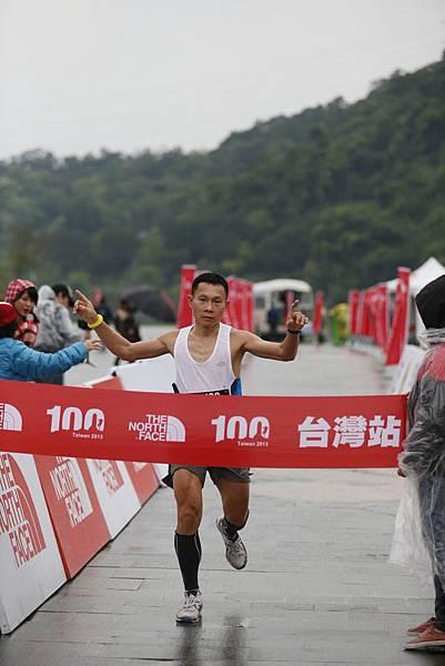 The North Face 100國際越野挑戰賽50K男子組第二名周平記衝線