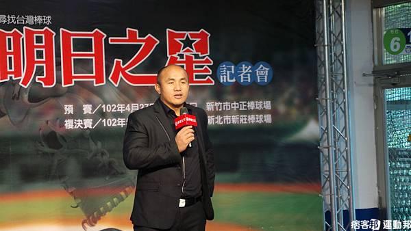 華南金控棒球教室總教官 張泰山