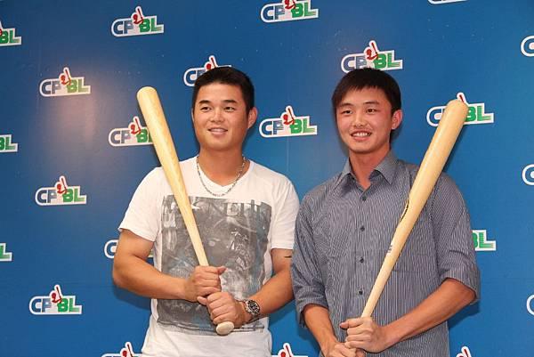 20130429左-胡金龍,右-林瑋恩2