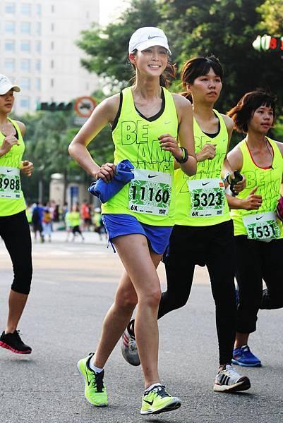 喜愛跑步的藝人張鈞甯為自己訂下一個目標,從Nike女生路跑開始一直到明年中,將會持續參加數場馬拉松,透過跑步看見不一樣的世界、更Amazing的自己
