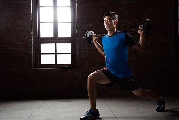 addias 2013 夏季男性健身訓練系列_盧彥勳