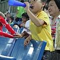 小球迷奮力為中華隊喊聲