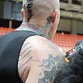 鳥人的刺青