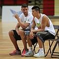 林書豪邀請好友Chandler Parsons參與籃球訓練營