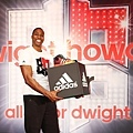 Dwight Howard此行最重要的目的是明(20)日擔任adidas 101籃球公園開幕貴賓,Howard也透露他將在台灣地標101前開球展現灌籃絕技