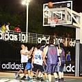 adidas101 x 痞客邦 籃球之夜 (72) 籃下有點擠喔~