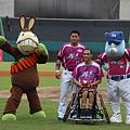 20130915胡金龍日開球貴賓輪椅籃球國手呂駿逸