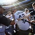 Rivera替球迷簽名