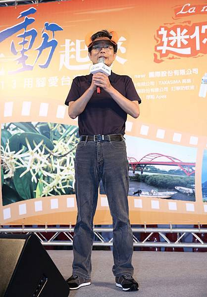 La new董事長劉保佑表示:「La new舉辦萬人健走活動已邁入第13年,今年加入最夯的4.2公里迷你版馬拉松賽事,希望號召更多民眾一起動起來」