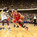 Rockets Jeremy Lin drives to the hoop