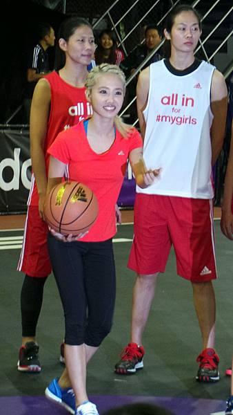 adidas Girls Night 女孩籃球夜 Jolin開球初體驗