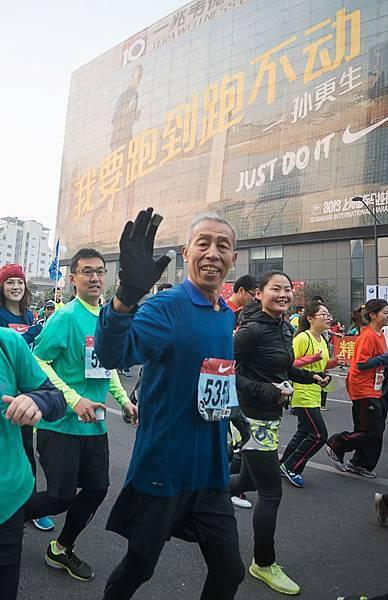 74歲的跑者孫更生跑了54年,跑過60個全馬或半馬,他說要跑到跑不動為止