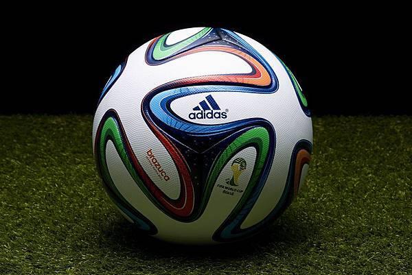 "adidas揭幕2014巴西世界盃比賽指定用球 ""BRAZUCA"""