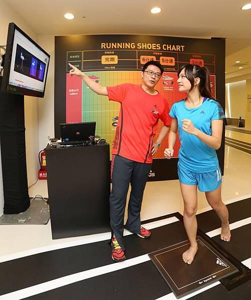 footscan足型檢測 採取現場預約制 透過電腦剖析出個人足型特色
