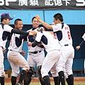 台南海事靠著陳邦煒的再見安打 在第6局以15比0擊敗大同高中
