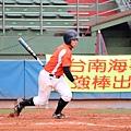 吳奇峰於2局上擊出大同高中首安