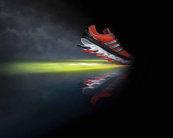 adidas發表革命性刀鋒鞋款Springblade 爆發性動能與前衛設計 全面顛覆跑鞋想像