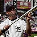 2001年領取銀棒獎的Todd Helton