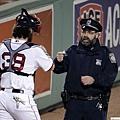 一夕爆紅的波士頓警員