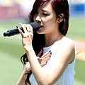 Tiffany演唱美國國歌