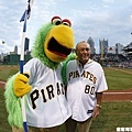 Pirate Parrot 和高爾夫名將 Arnold Palmer