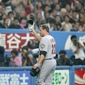 Clemens 和日本觀眾致意