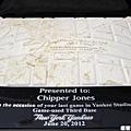 洋基隊贈與 Chipper Jones 的壘包近照