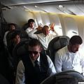 在水手隊飛機上搞笑的川崎