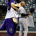科羅拉多洛磯隊吉祥物與Rivera