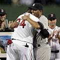 Mariano Rivera和David Ortiz擁抱