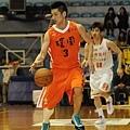 黃啟峰今日拿下14分8籃板助球隊拿下勝利