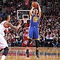 Stephen Curry兩季三分球數破紀錄