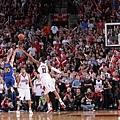 Stephen Curry連兩季破250顆三分球