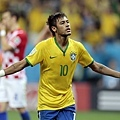 Neymar連進兩球