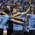 Suarez梅開二度 率烏拉圭拿勝