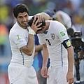 Suarez咬人引爭議 烏拉圭晉16強
