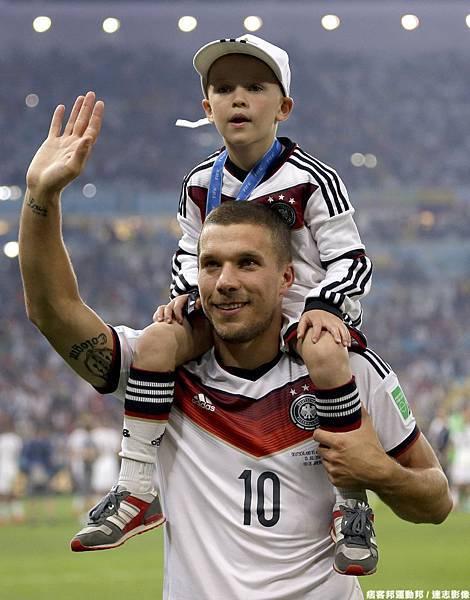 Lukas Podolski與兒子