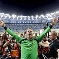 Manuel Neuer高舉雙手慶祝