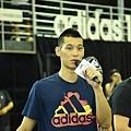 林書豪現身突襲adidas 101球場