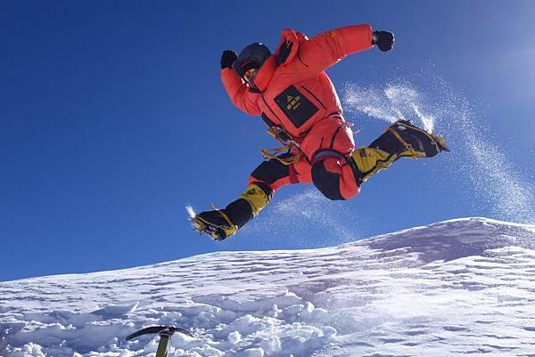 隊員呂忠翰自小山林長大,擁有優異體能,連續2年是2013迦舒布魯II峰、2014布羅德峰攀登隊最快登頂隊員,忠翰表示:攀登八千米級山對於他來說像是度假
