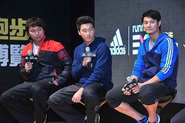 3.三大球星李振昌、羅嘉仁、詹智堯齊聚進行跑步冬訓,並於現場暢談球場以外的跑者故事與跑步經驗。