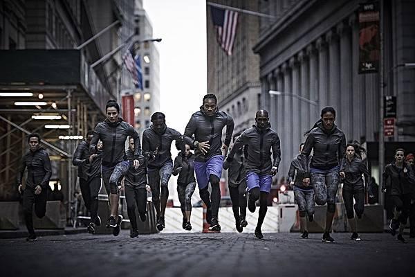 2.adidas 1月23日在美國紐約與眾多世界頂尖運動員的共同見證下,發佈史上最佳的全新動能跑鞋 – Ultra BOOST