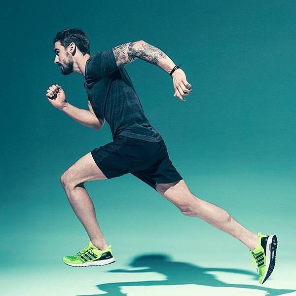 6.adidas Ultra BOOST再度來襲 男女繽紛配色 8月引領飛馳前進