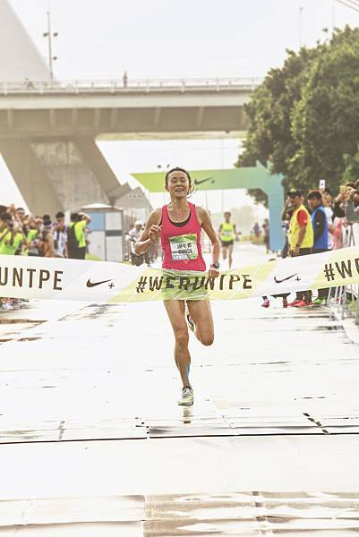 Nike運動員謝千鶴蟬聯三年Nike Women's Half Marathon-Taipei冠軍