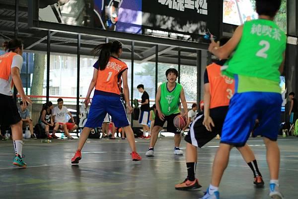 來自南台灣的女力隊伍「WKLC」:「每年參加純喫茶Try it!鬥牛霸都是不同的挑戰,每場比賽都讓自己更勇敢。」今年朝向四連霸的目標繼續邁進。.jpg